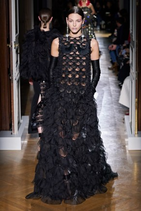 Valentino-64ss20-couture