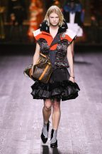 Louis Vuitton-01w-fw20-runway-2620