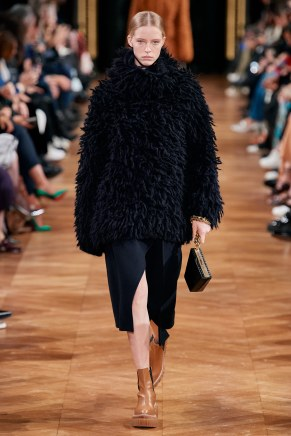Stella McCartney-25w-fw20-runway-2620